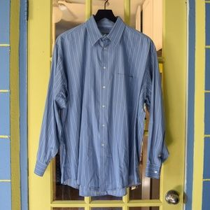 Giorgio Armani Shirts - Giorgio Armani le Collezione dress shirt!